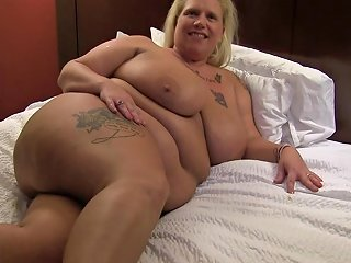 Prolapse Pussy Cuckold Loves Squirting Amp Anal